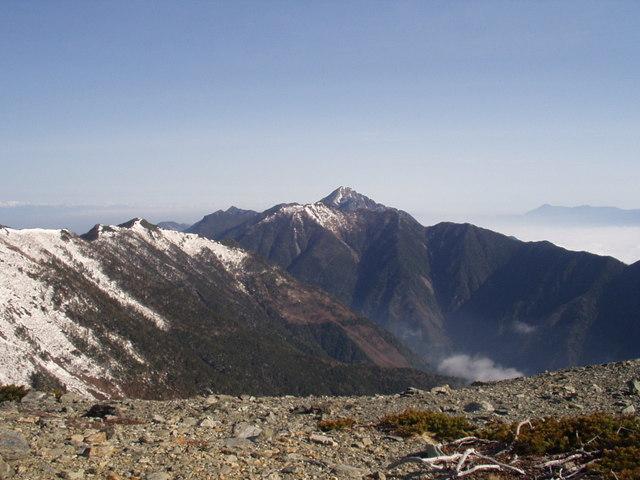 南アルプス-北岳(夜叉神・池山吊尾根)H16・5・1~5・3③ 026