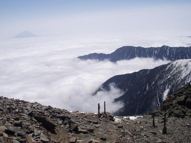 南アルプス-北岳(夜叉神・池山吊尾根)H16・5・1~5・3 020