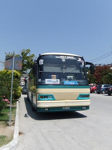 タソス_リメナスのバス停で