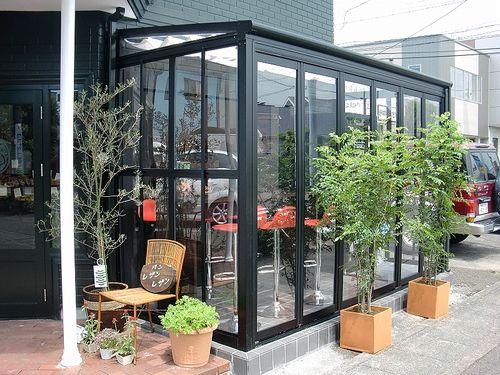 開口部を広げてオープンカフェ完成