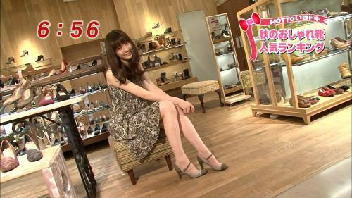 めざましテレビ岡本杏里の美脚キャプチャ画像