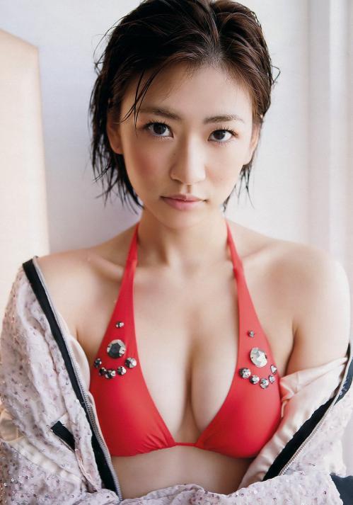 西田有沙水着グラビア画像 オッパイ寄せたらこんな感じ