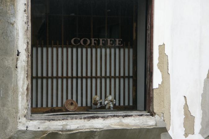 DSC01694喫茶店の窓