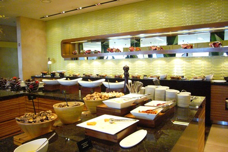 パラダイスホテル朝食 2