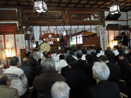白山神社内