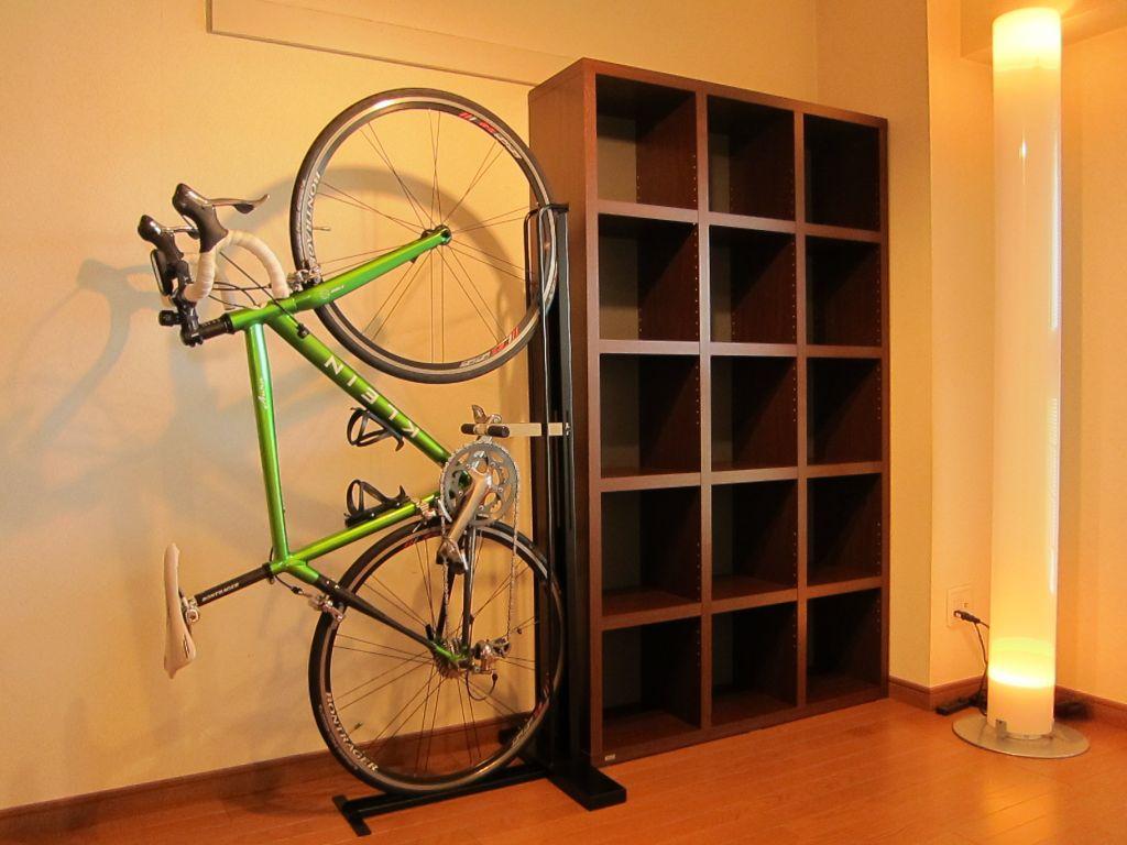自転車の 自転車 ロードバイク スタンド : ロードバイク部屋に収納 ...