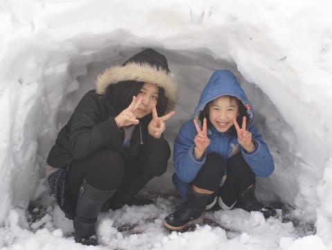 雪のほら穴
