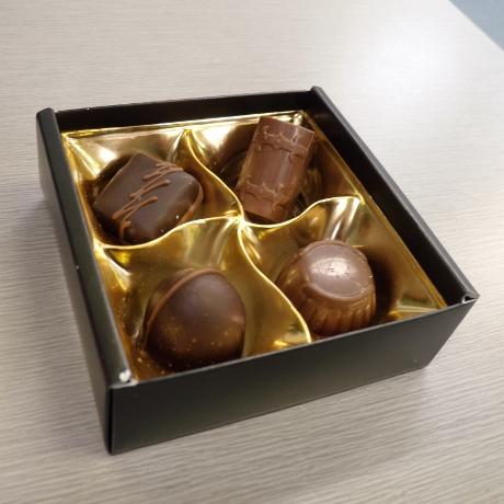 チョコレートは明治