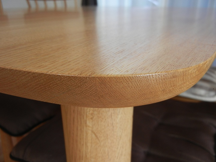 無垢材ウレタン塗装テーブル断面