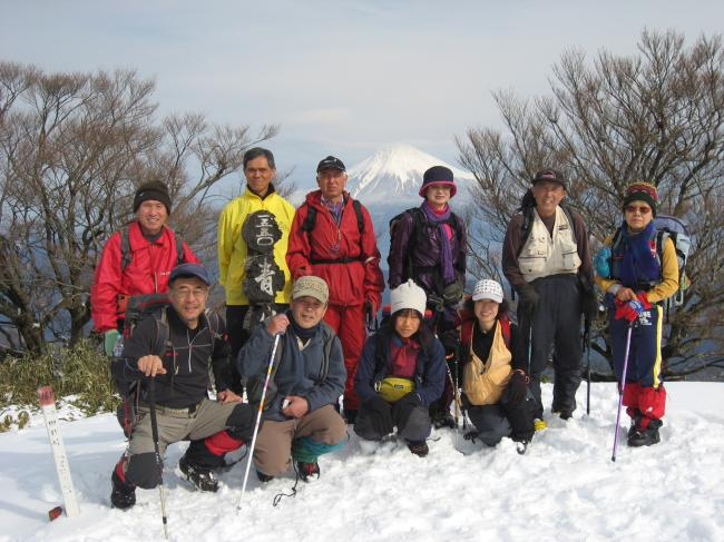 青笹山頂(富士山をバックに)