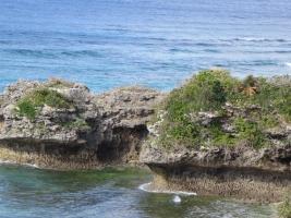 海岸の浸食岩