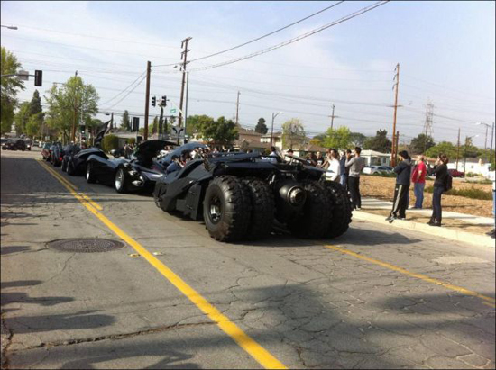 all_the_batmobiles_in_one_place_7_pics-2.jpg