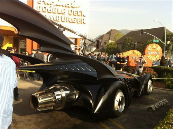 all_the_batmobiles_in_one_place_7_pics-5.jpg