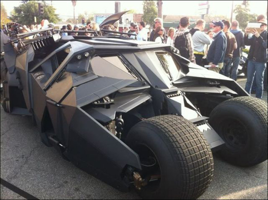 all_the_batmobiles_in_one_place_7_pics-7.jpg