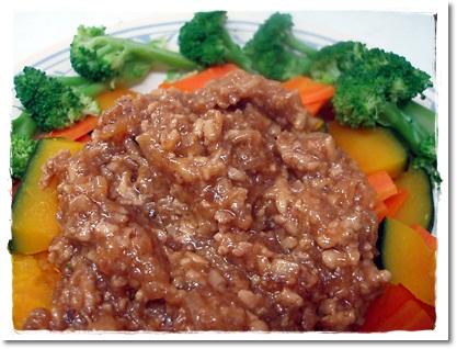 2011・8・25・蒸し野菜のそぼろあんかけ
