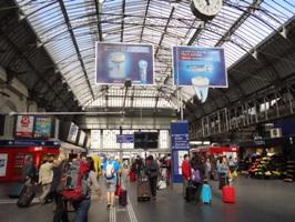 パリ東駅の中の様子