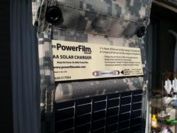 小型ポータブル太陽光発電装置(PowerFilmパワーフィルム)充電完了