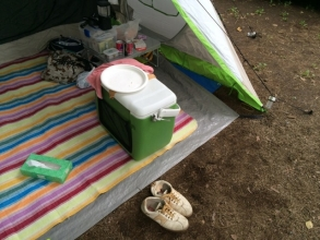 テントの玄関で土が侵入