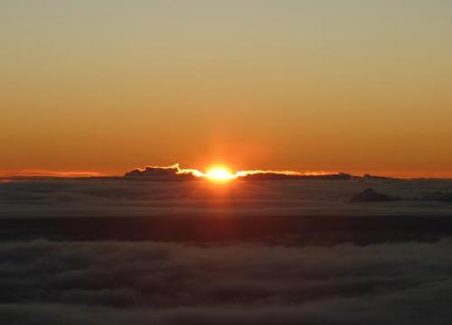 sunrise-on-mauna-kea_convert_20111230081250.jpg