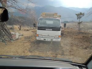 120409 トラックの堆肥 (3)