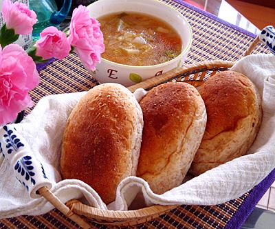 グラハムブレッドとスープ.jpg