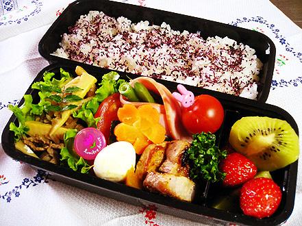 0512牛肉筍煮弁当.jpg