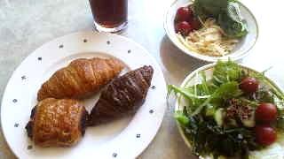 20130627パンとサラダ.jpg