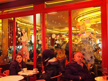 Cafe-des-2-Moulin11.jpg