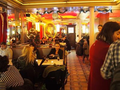 Cafe-des-2-Moulin12.jpg