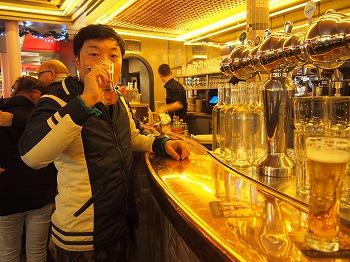 Cafe-des-2-Moulin20.jpg