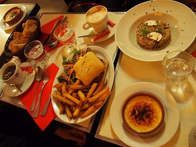 Cafe-des-2-Moulin24.jpg