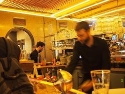 Cafe-des-2-Moulin26.jpg