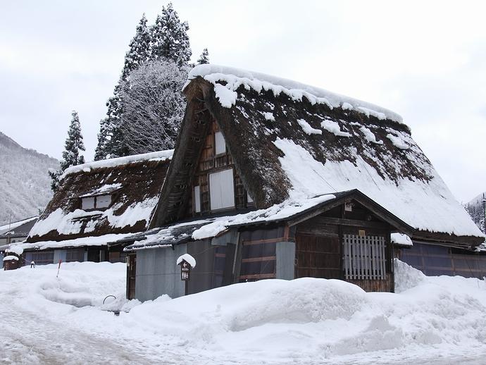 雪と合掌造り(相倉)
