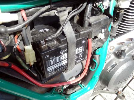 セロー225 バッテリー交換