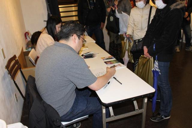 autographsession.jpg