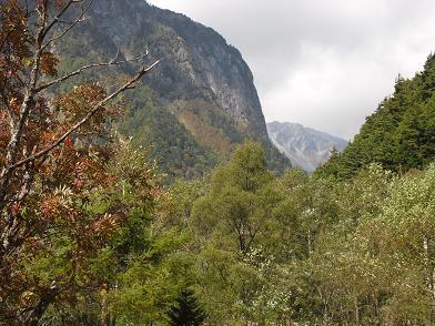 8 屏風岩と南岳