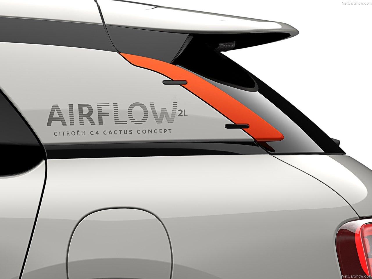 20140927_Citroen-C4_Cactus_Airflow_2L_Concept_2014.jpg
