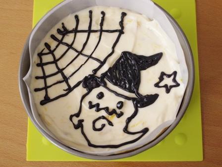 ハロウィンのお絵かきマンゴーチーズケーキ04
