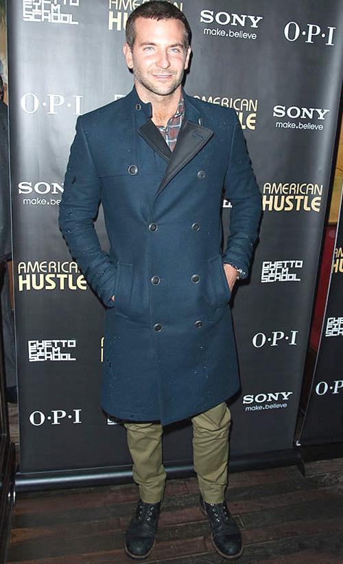 ブラッドレイ・クーパー(Bradley Cooper):トミーヒルフィガー(Tommy Hilfiger)/トッド スナイダー(Todd Snyder)