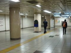 九段下駅半蔵門線神保町寄り改札階