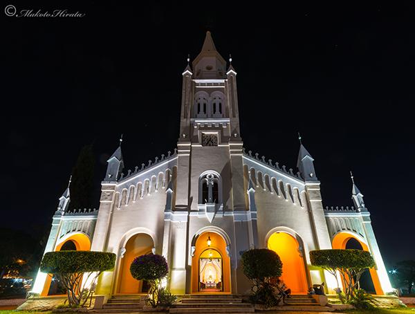 アレグア教会ライトアップ