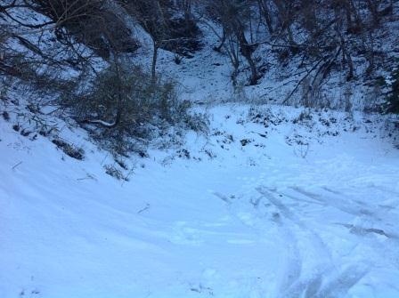 ②20131221道のわきの雪