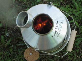 1.3ℓの水が 10分足らずで沸騰します。