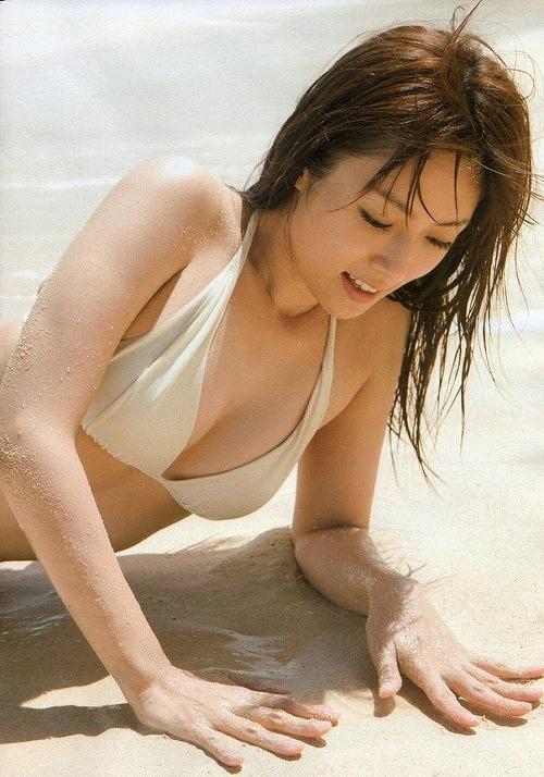 深田恭子水着おっぱい画像4a35