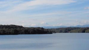 湖から富士山