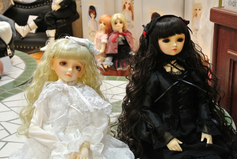 dolls_0407.jpg