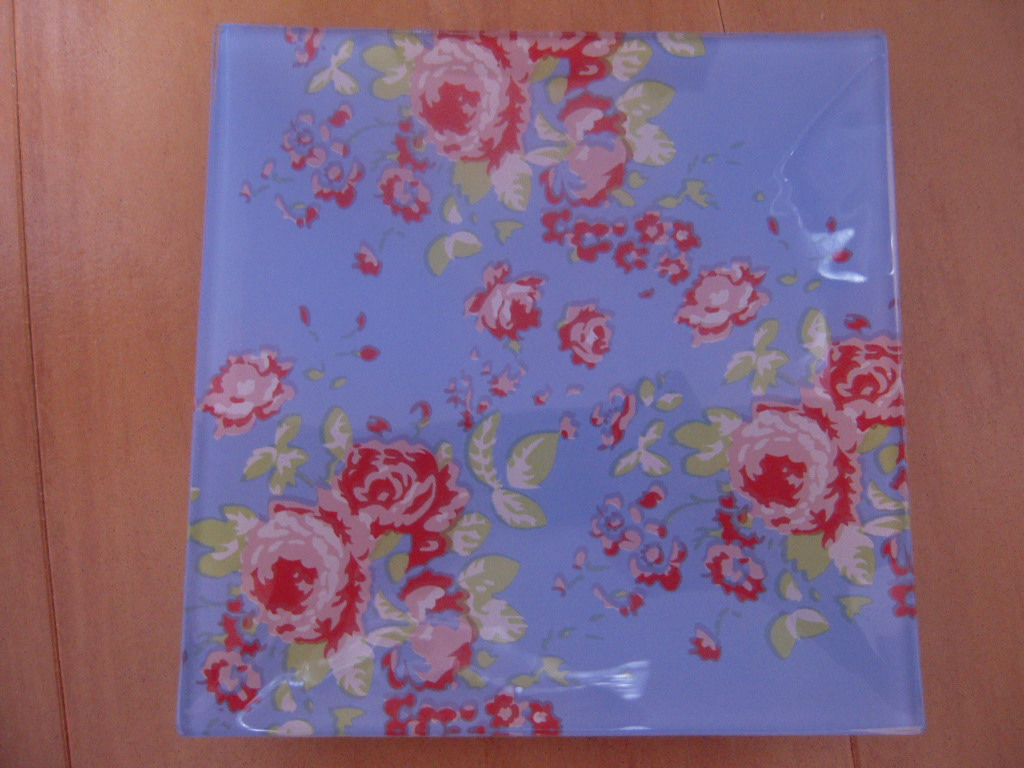 シルクの花柄ガラス皿(角皿)☆ 2