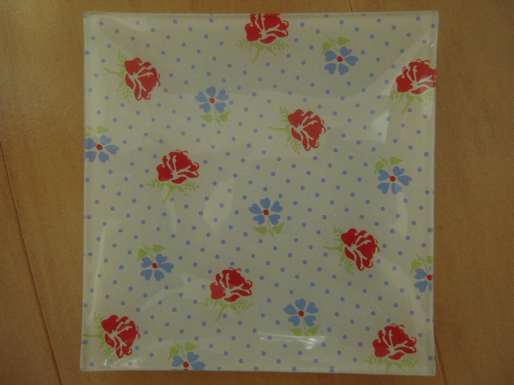 シルクの花柄ガラス皿(角皿)☆ 3