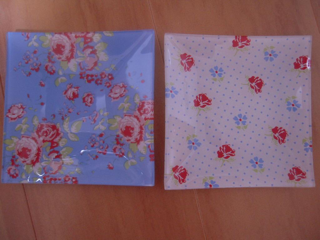 シルクの花柄ガラス皿(角皿)☆ 1
