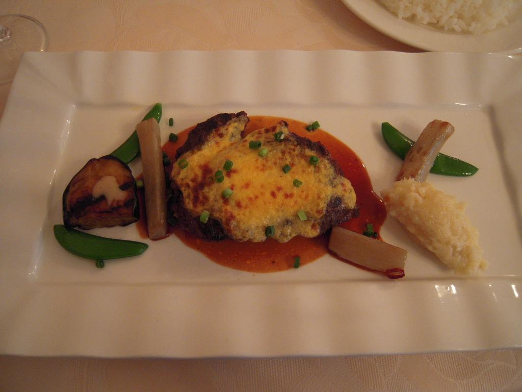 黒毛和牛ランプ肉のグリエ レフォール風味のサバイヨンのオーブン焼き☆